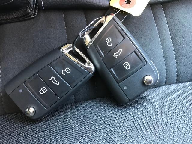「フォルクスワーゲン」「VW ゴルフトゥーラン」「ミニバン・ワンボックス」「佐賀県」の中古車36