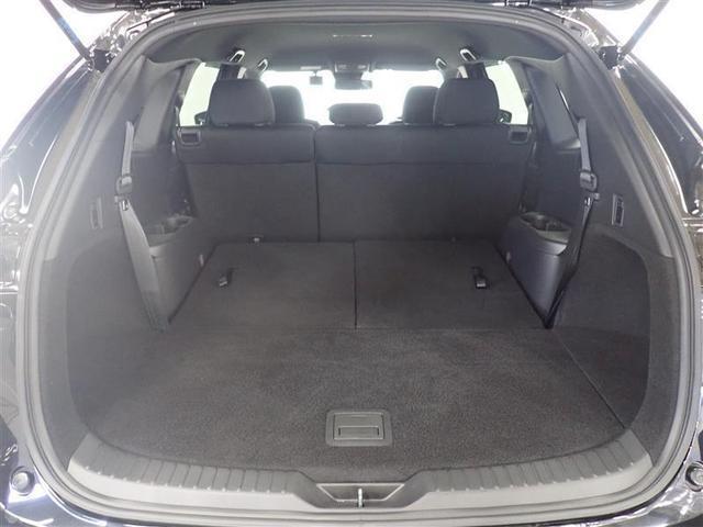 サードシートを収納してさらに広々のラゲッジスペース