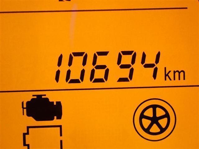 低燃費&走りをスム-ズにしてくれるCVTシフトと大きなスイッチで操作がしやすいマニュアルエアコン
