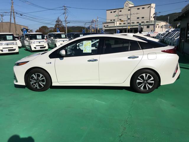 「トヨタ」「プリウス」「セダン」「佐賀県」の中古車7