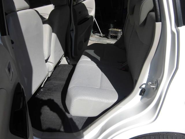 S 保証付 1オーナー SDナビ ETC バックカメラ ワンセグTV CD再生 アイドリングストップ キーレス 電動格納ミラー 盗難防止システム ベンチシート フルフラットシート(11枚目)