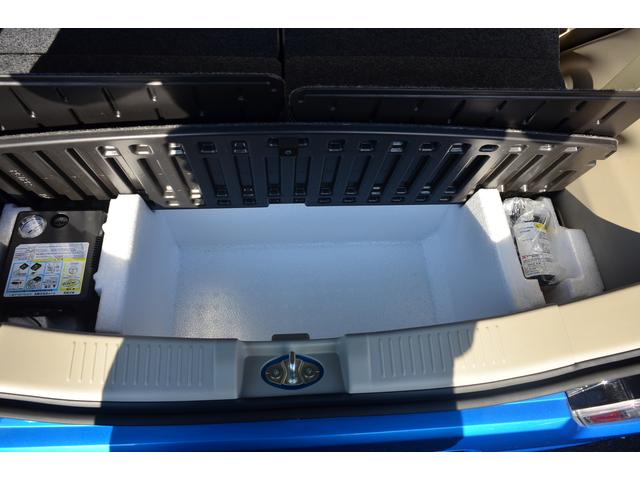 ジャッキはもちろんタイヤ修理セットおまけにエアコンプレッサーまでついています!!エアコンプレッサーの電源は車のシガライター電源より取ることができます!!浮き輪の空気入れ等に使えたり(汗。