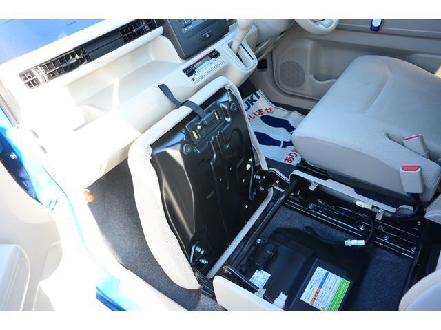リチュームイオンバッテリー・・・ここへ回生システムで発生させた電気エネルギーを蓄えます!!この電池によりお車の走りや燃費を助けます!!