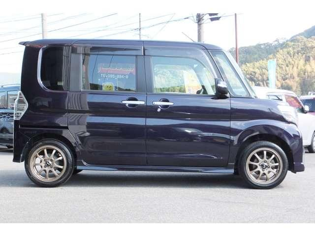 カスタムX 国産タイヤ4本新品 メモリーナビ バックカメラ(4枚目)