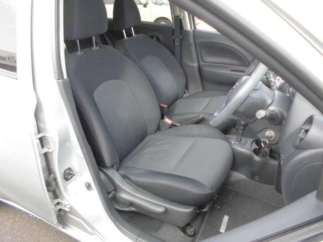 運転席側座席
