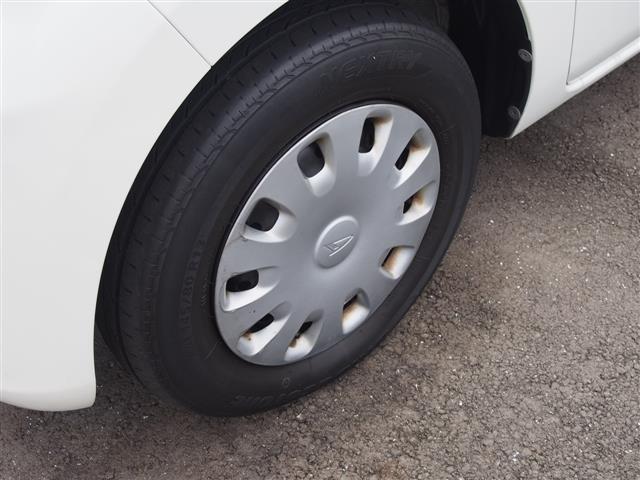 当店の車は全て、国土交通省認定の国家2級整備士による、各種走行テスト・全装備品の動作確認及び、修復歴の厳選チェック済み。こだわり、納得し、選び抜いた車だけを展示しています。