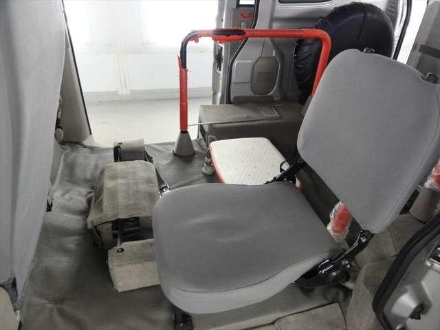 スズキ エブリイワゴン 車いす移動車 バッテリー新品 ワイパー新品 オイル新品