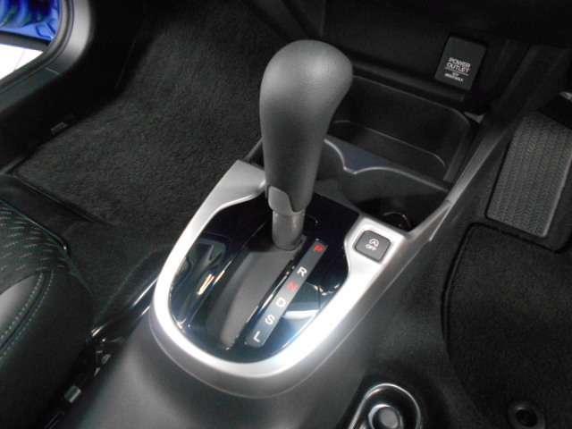 ホンダ フィット 13G・Lパッケージ ファインエディション LEDヘッドライト・