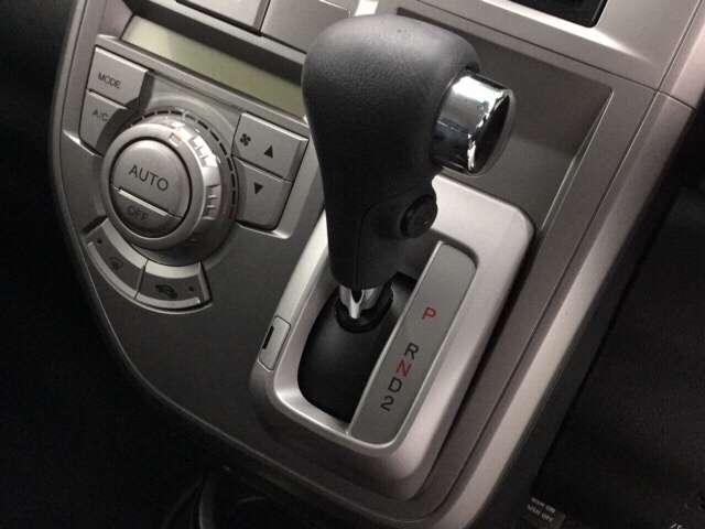 ホンダ ゼストスパーク W スマートキー・CD・HIDヘッドライト