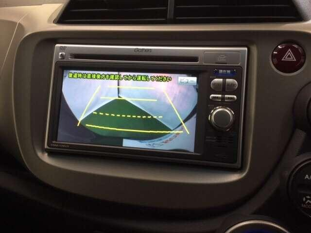 ホンダ純正ナビ(型番VXM-128VS)装備。ワンセグTV視聴、CD/DVD再生機能付き。★さらにバックモニター搭載!バック操作や駐車時にサポートします。障害物や後車両を映し出すので便利です。