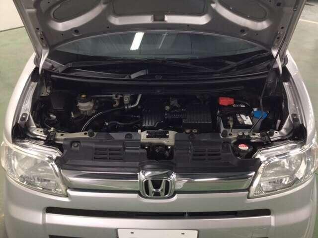 外装・内装はもちろんエンジンルームの隅々までクリーニングを実施します。プロができる限りの力でお車を仕上げます。