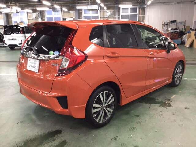 テールライトはガソリン車専用デザインのLEDタイプです。