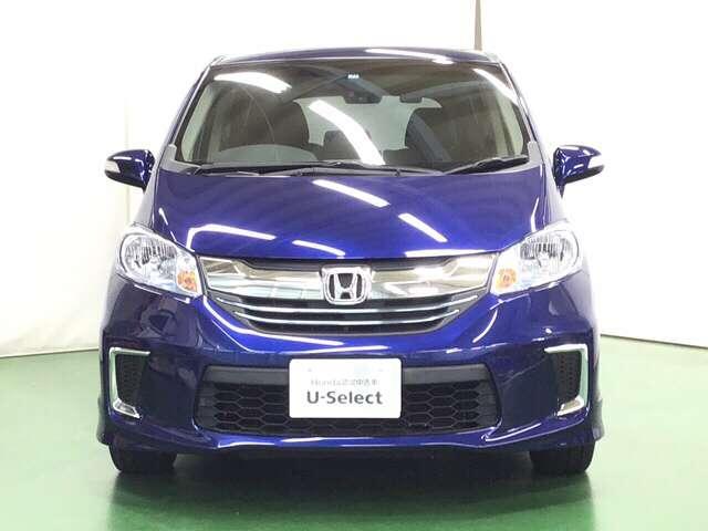 ■ディスチャージヘッドライト(HID)■電動スライドドア(リア両側)■プラズマクラスター技術搭載フルオートエアコンなどを装備したフリードハイブリッド・プレミアムエディションです。