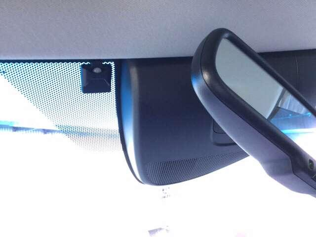 衝突軽減ブレーキに、サイド&カーテンエアバッグの、あんしんパッケージが、装着されています。