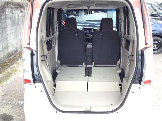 G・Lパッケージ ディスプレイオーディオ ワンセグTV スマキ- CDデッキ テレビ 両側スライド片側電動ドア イモビライザー ETC車載器 ABS ESC アイドリングストップ付き アルミホイル キーフリ- ベンチ席(15枚目)