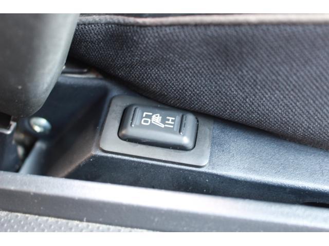 自社整備ではなく、提携整備工場と連携することで法定整備やその他の細かい整備をしっかり行い、安全な状態でご納車致します。納車後の一般整備・車検・点検等も全てRIASTARにお任せください!