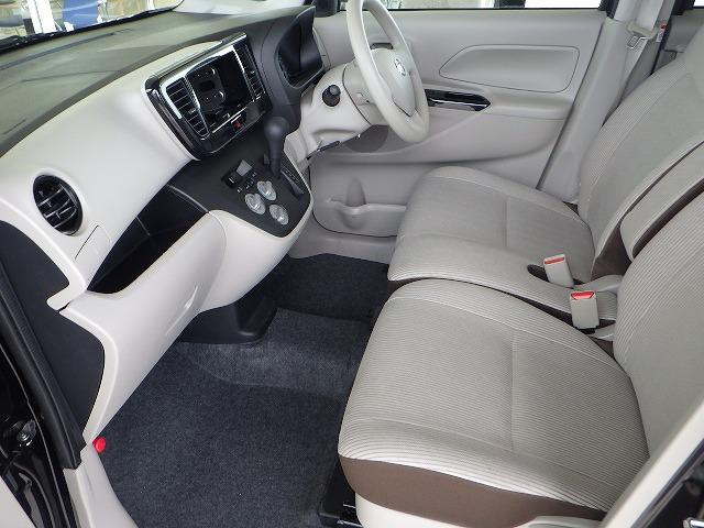 S アイドリングストップ パワーウインドウキーレスエントリー マニュアルエアコンフロントベンチシート2列目シート分割可倒 禁煙車 エアバッグ EBD付ABS レンタアップセキュリティアラーム(6枚目)