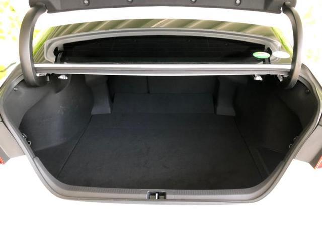 WSレザーパッケージ 純正 8インチ HDDナビ/車線逸脱防止支援システム/パーキングアシスト バックガイド/ヘッドランプ LED/ETC/EBD付ABS/横滑り防止装置/アイドリングストップ バックカメラ 電動シート(8枚目)