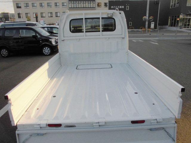 荷台床面を低く設定荷物の積み下ろしもラクラク。