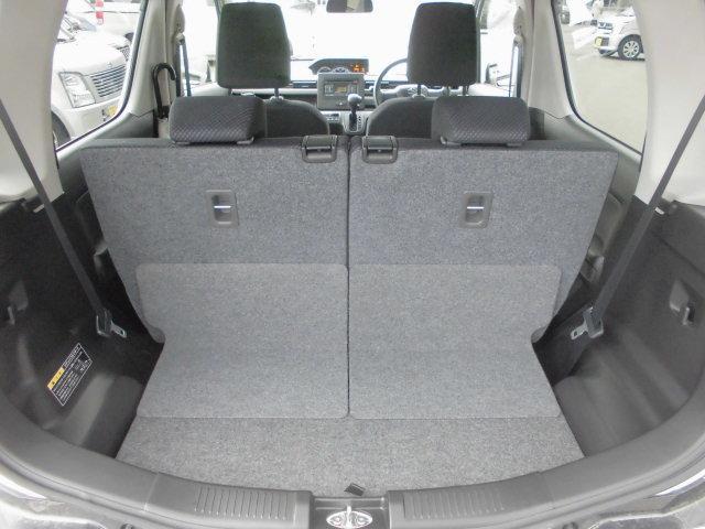 リヤシートの後ろスペースは、毎日のお買い物はもちろん、子育て世代にうれしいベビーカーも収納できるスペースを確保。