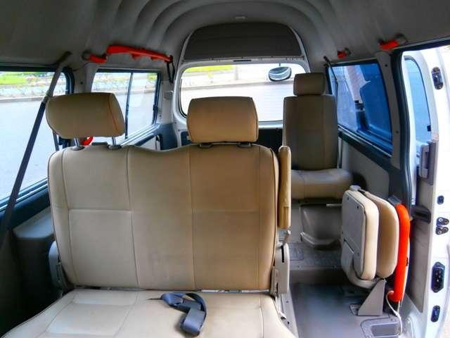 日産 キャラバンバス チェアキャブ M仕様 車椅子2台固定