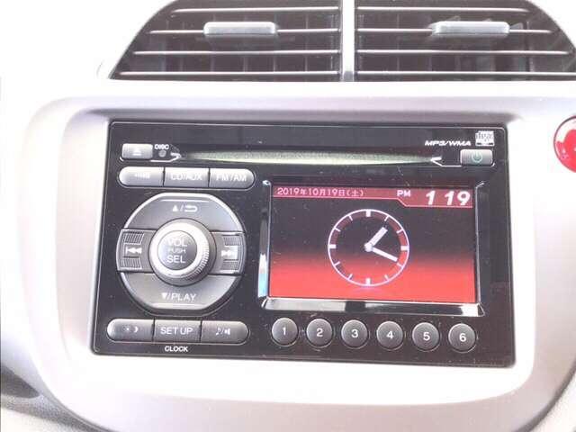 純正のモニター付CDコンポ搭載です。ドライブのお供に。