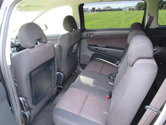 ■内装クリーニング実施しております!当社では、ケルヒャー製シートクリーナーにて水洗い徹底クリーニングを行っております!水洗い洗浄、吸引、乾燥を行っております!クリアな車内となっております!