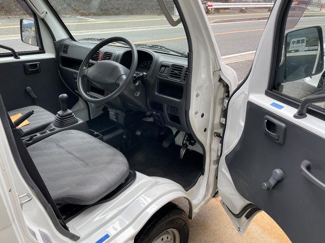 運転席シート、キレや破れなどはありません!
