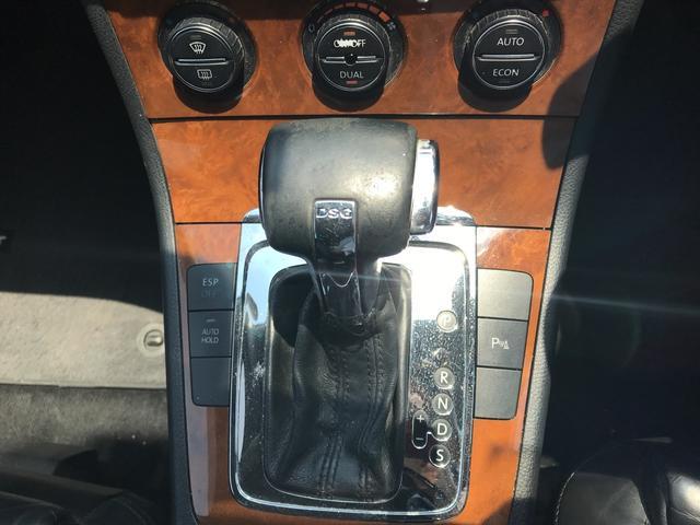 フォルクスワーゲン VW パサートヴァリアント V6 4モーション HDDナビ 黒革