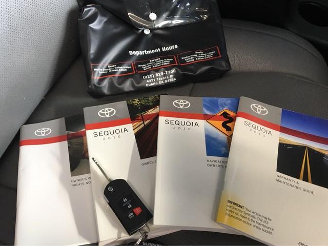 米国トヨタ セコイア プラチナム キャプテンシート フリップダウンモニタ DVD