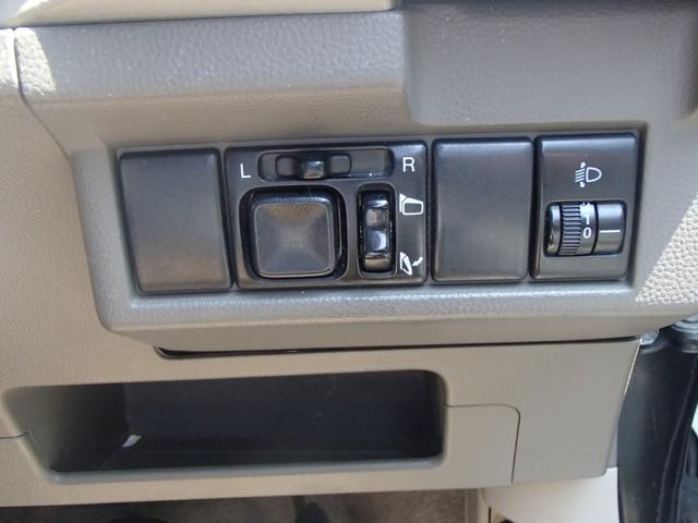 S 5速マニュアル キーレス CDオーディオ 社外AW 保証(16枚目)