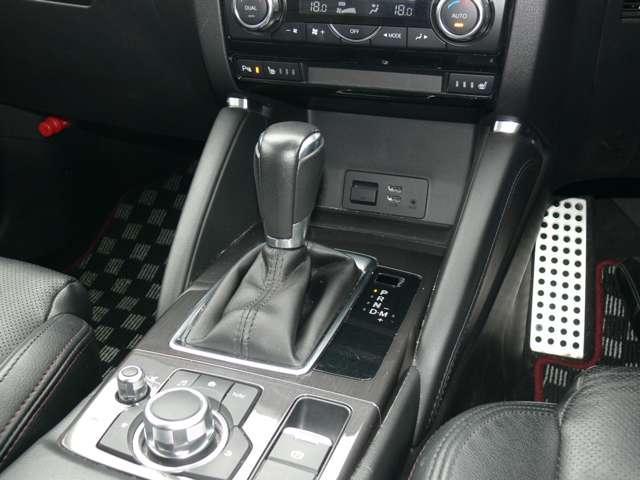 2.2 XD Lパッケージ ディーゼルターボ 4WD 黒革シート エアバック ABS アルミ(15枚目)