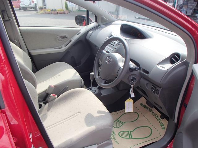 トヨタ ヴィッツ F 純正CD コーナーポール キーレス 保証付 認証工場対応