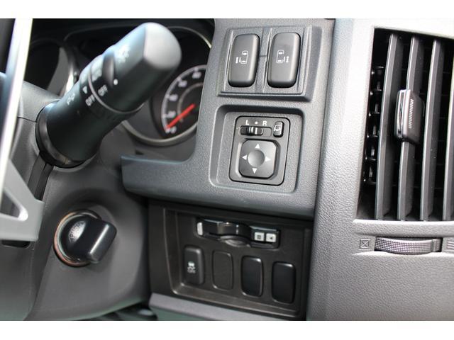 三菱 デリカD:5 Dパワーパッケージ 7人乗り 登録済未使用車 Cディーゼル