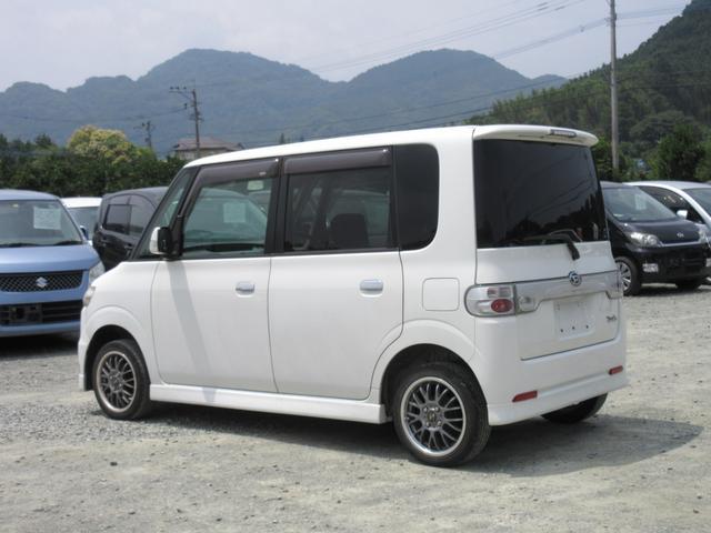 プランBにて、希望ナンバーでの登録が可能です。 現在人気の軽自動車で白の希望ナンバーを選ばれる場合はプラス1万円掛かります。