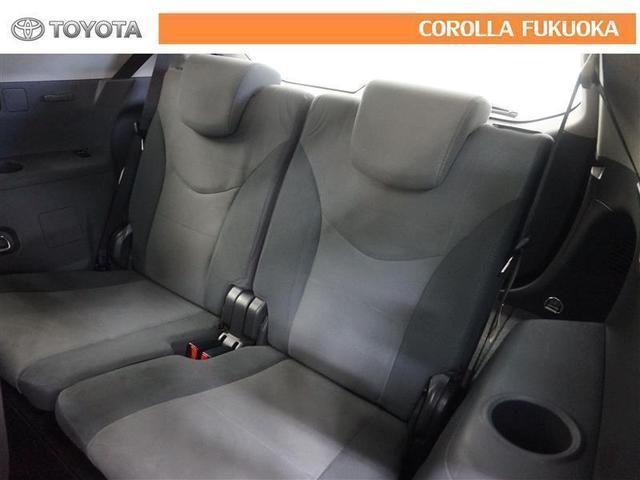 家族にとって、車内の3列シートは本当に魅力的なこと。行動範囲も広がって車内の会話もはずみます!