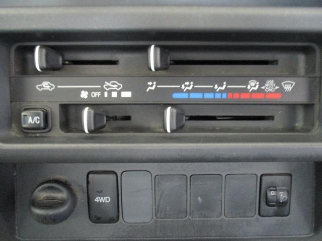TB 1年保証付 5速MT 4WD 三方開 エアコン パワステ 純正ラジオ(13枚目)