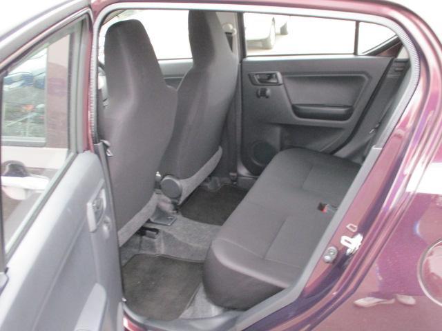 リヤシートにチャイルドシートの固定用アンカーがあります。小さなお子様も安心してご乗車できます!