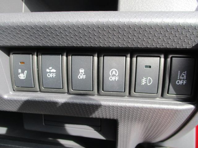 各機能のスイッチは運転席から操作ラクラク。