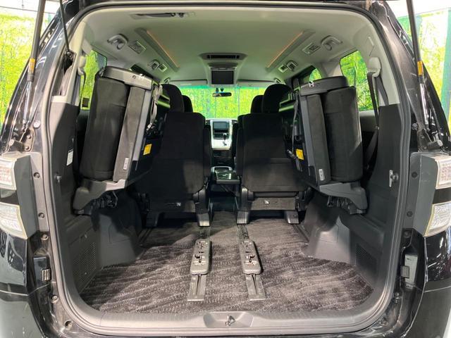運転席は視点が高いので、大型のミニバンですが女性の方も運転がしやすいと思いますよ☆