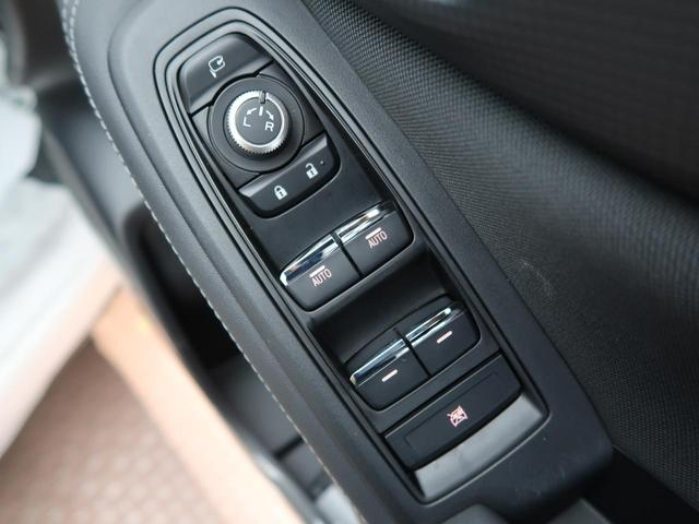 プレミアム 登録済未使用車 衝突被害軽減装置 LEDヘッド レーダークルーズ シートヒーター純正18インチアルミホイール アイドリングストップ クリアランスソナー ルーフレール パワーシート ハーフレザー(37枚目)