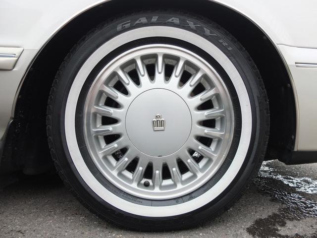 ロイヤルサルーン 車検R5年6月 コラムオートマ ベンチシート サンルーフ HDDナビ バックカメラ フルセグ ETC ホワイトリボンタイヤ(13枚目)