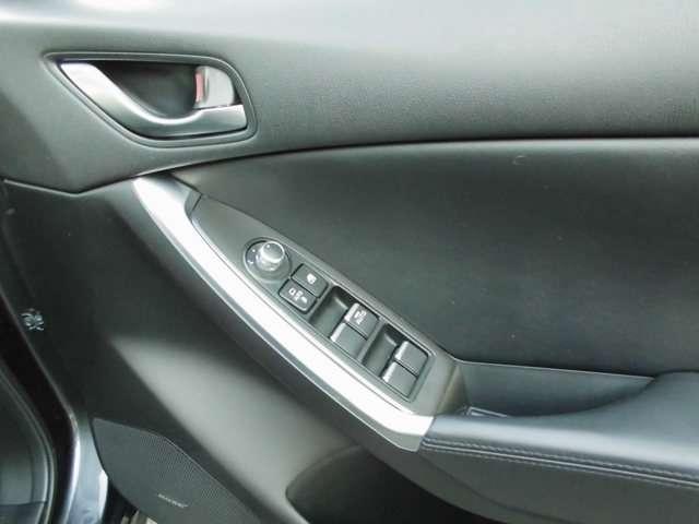 25S Lパッケージ 4WD ナビ フルセグTV ETC バックカメラ シートヒーター アイドリングストップ(12枚目)