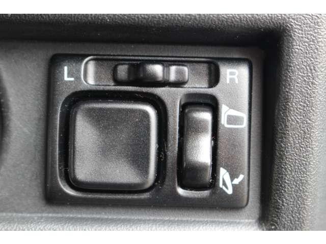 XL メモリーナビ パートタイム4WD 1オーナ 地デジ アルミホイール キーレス ナビTV 定期点検記録簿 ABS エアコン 横滑防止装置 パワステ(21枚目)