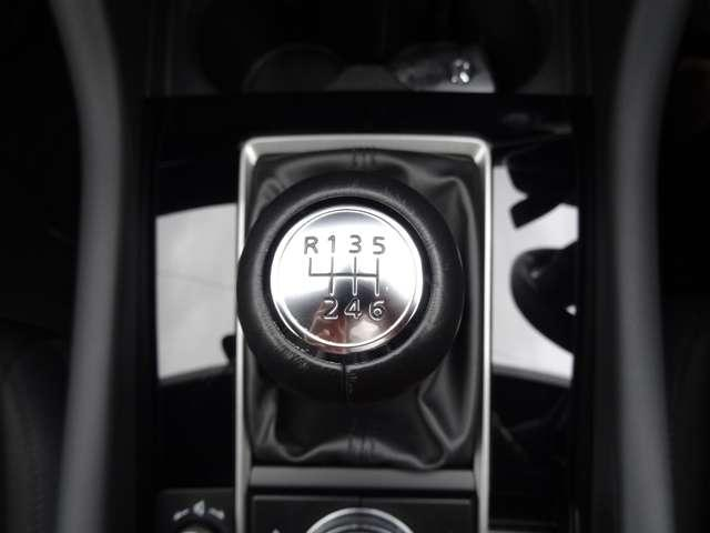 15Sツーリング AW 衝突軽減装置 1オーナー LEDヘッドライト バックカメラ フルセグTV スマートキー ナビTV メモリーナビ キーレスエントリー レーダークルコン DVD(33枚目)