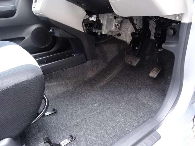 X SAIII 衝突軽減装置 キーレスキー エコアイドル CDステレオ ABS エアコン エアバック 横滑防止装置 アルミ デュアルエアバック パワステ パワーウィンドウ(29枚目)