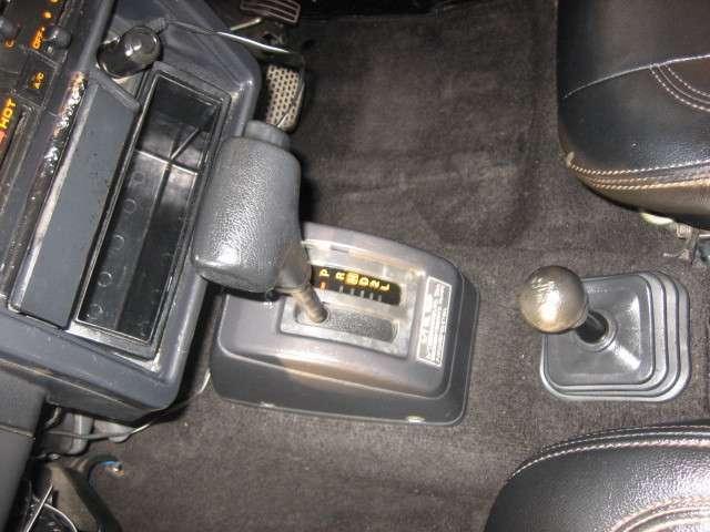 ワイルドウインドリミテッド 4WD レザー調シートカバー社外(14枚目)