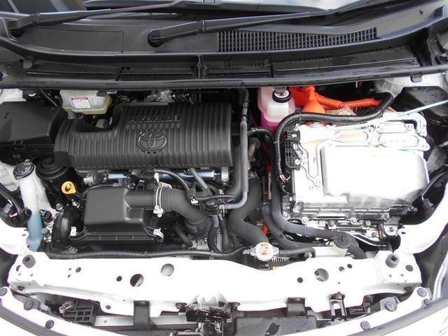 ハイブリッドX 衝突被害軽減システム 電動スライドドア ウオークスルー 乗車定員7人 3列シート ワンオーナー 記録簿(18枚目)