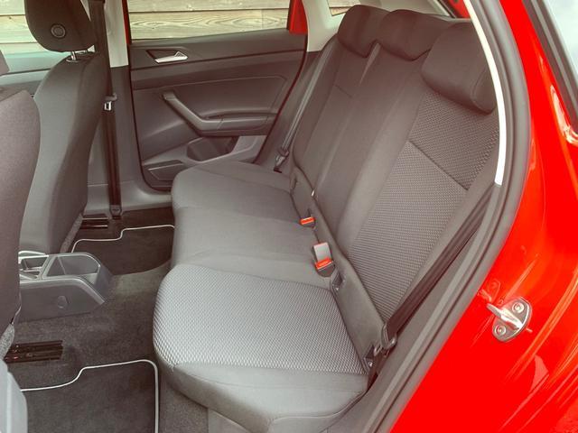 後部座席シート(左側)