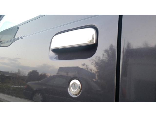 ジャンボ 4WD エアコン パワステ 5速マニュアル車 LEDヘッドライト 社外15インチアルミホイール ボコボコタイヤ 革調シートカバー メッキパーツ オールペイント(7枚目)